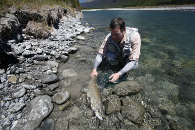 New Zealand fly fishing guides 1763 400
