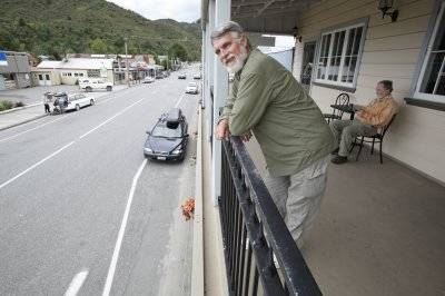 Relaxing in Reefton 2011 1 1